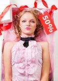 Puppe mit Verkauf Lizenzfreie Stockfotos