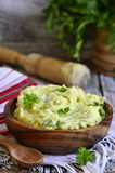 Purée de pommes de terre avec l'herbe Photo stock