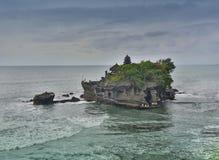 Pura или серия Tanah виска одно из известного места туристической достопримечательности в Бали, Индонезии стоковые фотографии rf