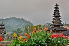 Pura beratan ulun的danu Bedugul 巴厘岛 印度尼西亚 免版税库存图片