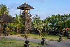 Pura Goa Lawah, templo dos bastões, Bali, Indonésia imagem de stock