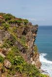 Pura Luhur Uluwatu和太平洋,巴厘岛,印度尼西亚看法  库存照片