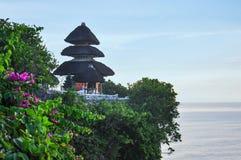 Pura Luhur Uluwatu Temple en los acantilados, Bali, Indonesia Fotografía de archivo