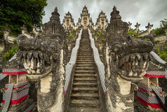 Pura Penataran Agung Lempuyang auf Bali, Indonesien lizenzfreies stockbild