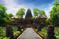 Pura Saraswati印度寺庙在Ubud,巴厘岛,印度尼西亚 免版税库存照片
