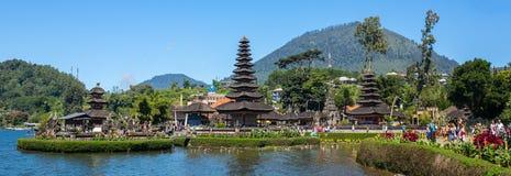 Pura Ulun Danu寺庙的全景视图 库存图片