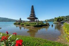 Pura Ulun Danu寺庙的全景视图 图库摄影