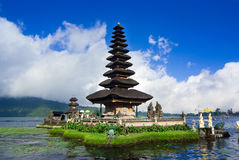 Pura Ulun Danu Bratan,在巴厘岛,印度尼西亚的水寺庙 免版税库存照片