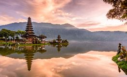 Pura Ulun Danu Bratan świątynia na wyspie Bali w Indonesia 2 zdjęcia stock