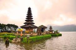 Pura Ulun Danu Bratan, индусский висок на озере Bratan, Бали, Индонезии Стоковая Фотография RF