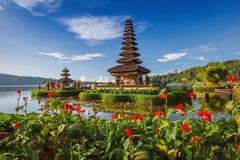 Pura Ulun Danu Bratan eller Pura Beratan Temple, Bali ö Fotografering för Bildbyråer