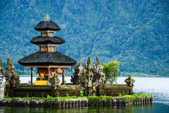 Pura Ulun Danu Bratan em Bali, Indonésia Imagens de Stock Royalty Free