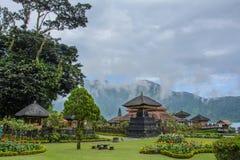 Pura Ulun Danu Bratan em Bali, Indonésia foto de stock royalty free