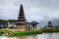 Pura Ulun Danu Bratan, Hindoese tempel op Bratan-meer, Bali, Indonesië Stock Afbeeldingen
