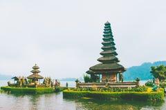 Pura Ulun Danu Bratan, tempio indù sul lago Bratan, Bali, Indonesia Immagine Stock Libera da Diritti