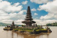 Pura Ulun Danu Bratan, temple hindou sur le paysage de lac Bratan, un de l'attraction touristique célèbre dans Bali images libres de droits