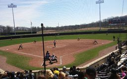 Purdue kontra Iowa i softball Royaltyfri Bild