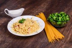 Purea di carne Spaghetti con il pollo immagine stock libera da diritti