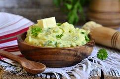 Purea di patate con l'erba Fotografie Stock Libere da Diritti