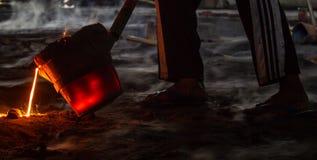Puring smält stål Royaltyfria Bilder