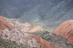 Purmamarca, kolorowe góry w Argentyna Obrazy Royalty Free