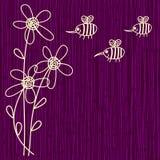 Purpere bloem en bijenachtergrond Stock Foto
