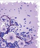 Purpere bloemen op grungeachtergrond Stock Afbeeldingen