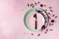 Purpere eetbare bloemen Royalty-vrije Stock Afbeelding