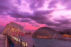 Purpere hemel over Valencia stock afbeelding