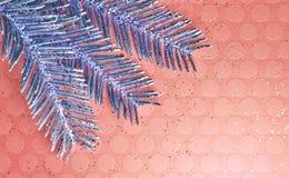 Purpere Installatietak op Roze Glittery Backgound royalty-vrije stock afbeeldingen