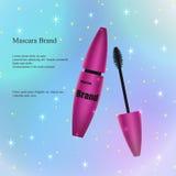Purpere mascara met een borstel op een lichte glanzende achtergrond Royalty-vrije Stock Foto's