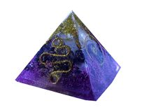 Purpere orgonite pytamid royalty-vrije stock foto