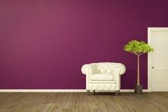 purpere ruimte met een witte leunstoel Stock Fotografie