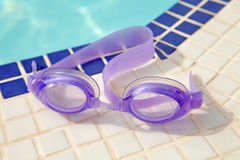 Purple diving goggles Royalty Free Stock Photos