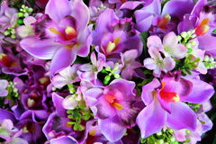 The purple flowers in the bouquets on the flower market. Royalty Free Stock Photos