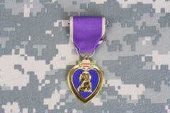 Purple Heart nagroda na mundurze Obrazy Stock