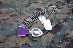 Purple Heart nagroda na USA żołnierzy piechoty morskiej kamuflażu mundurze Fotografia Royalty Free