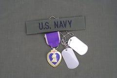 Purple Heart nagroda na USA marynarki wojennej oliwnej zieleni mundurze Obrazy Stock