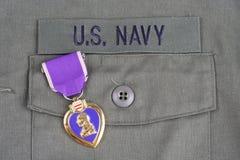 Purple Heart nagroda na USA marynarki wojennej oliwnej zieleni mundurze Zdjęcie Royalty Free