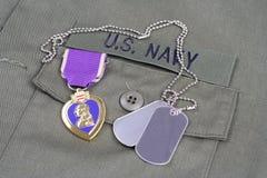 Purple Heart nagroda na USA marynarki wojennej oliwnej zieleni mundurze Fotografia Royalty Free
