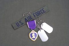 Purple Heart nagroda na USA siły powietrzne oliwnej zieleni mundurze Obrazy Stock