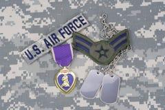 Purple Heart nagroda z psimi etykietkami na USA siły powietrzne mundurze Obraz Royalty Free