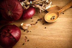 Purple onion pile Royalty Free Stock Images
