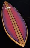 Purple van de Surfplank van de schoonheid Houten op zwarte achtergrond Royalty-vrije Stock Fotografie