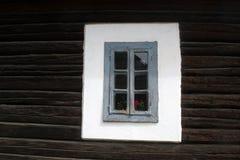 Purpleheartfenster geschlossen stockfotos