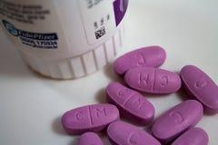 purpura pills Royaltyfri Foto