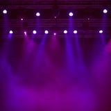 Purpurfärgad etappbakgrund arkivfoton