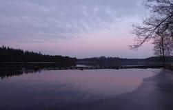 Purpurfärgad himmel på Majenfors Royaltyfri Fotografi