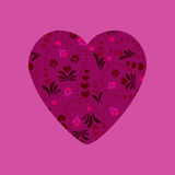 Purpurfärgad hjärta med den abstrakta blom- prydnaden Royaltyfri Fotografi
