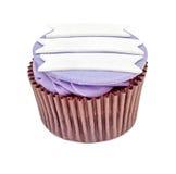 Purpurfärgad muffin med den isolerade etiketten Arkivfoto
